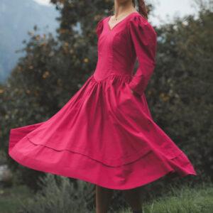 abito vintage rosso 300x300 - Abito vintage romantico