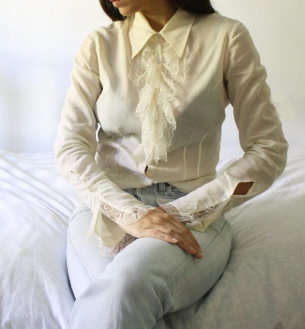 blusa colletto 600x646 - Camicetta voilant pizzo
