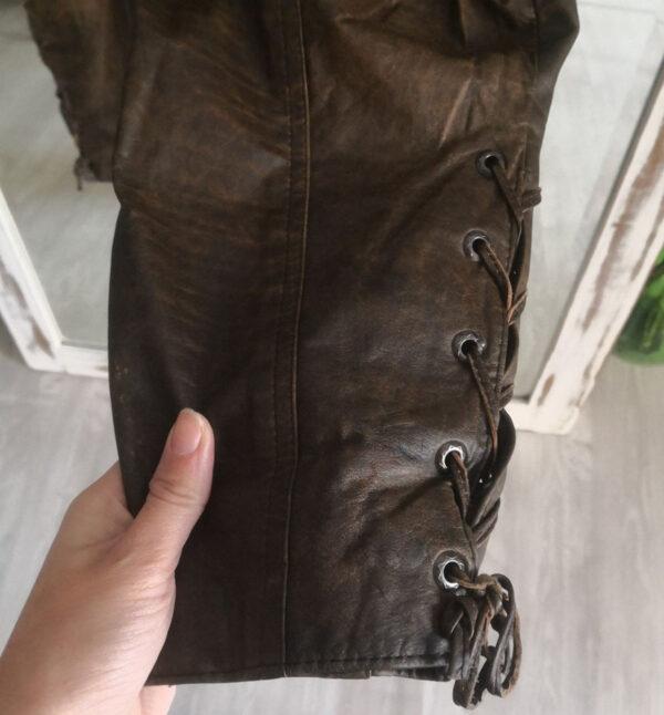 pantaloni pelle 4 600x646 - Pantaloni in pelle